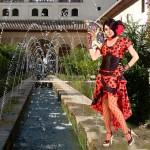 Costume et déguisement d'espagnole andalouse danseuse de tango rouge et noir rouge a pois