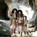 Costume et déguisement de homme de cro magnon préhistoire caverne peua de bete léopard