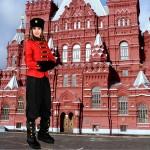 Costume et déguisement de russe rouge et noir russie froid sibérie botte noire
