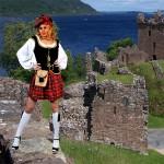 Costume et déguisement de loch ness écossaise écosse kilt jupe à carreaux sexy blanc noir rouge
