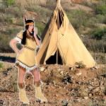 Costume et déguisement de indienne peau rouge tipi pocahontas beige marron
